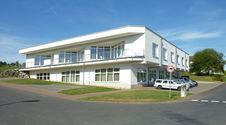 Moderne Gewerbefläche mit flexibler Nutzung Büro - Praxis - Ausstellungsfläche - Werkstatt - Produktion - Lager - 53562 St. Katharinen, Weidenstraße 20